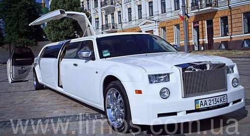 Лимузин Rolls-Royce Phantom (replycar 300С) 2013г